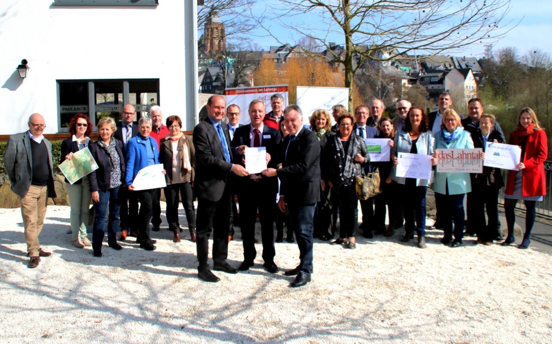 """""""Touristische Markenumsetzung dasLahntal"""" – von der Quelle bis zur Mündung"""